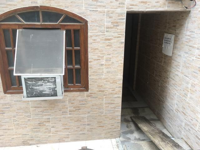 Apartamento quarto e sala pertinho do mar do Recreio - Foto 4