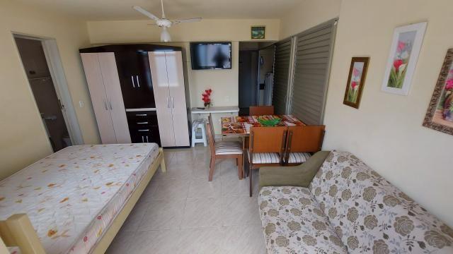 Kitnet no Centro de Guarapari com área de lazer - Foto 2