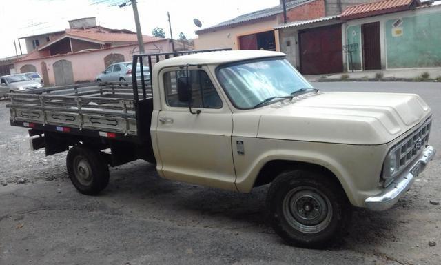 Caminhonete Chevrolet - 84