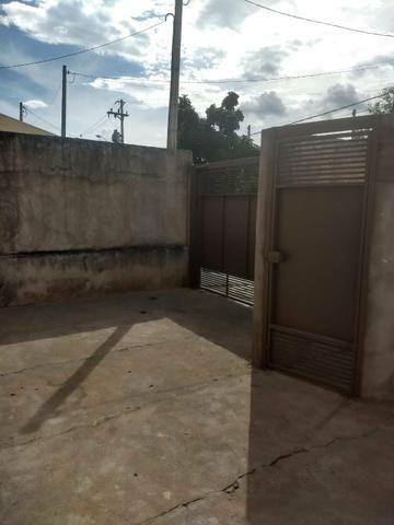 VENDO CASA COM EXCELENTE VALOR (aceito troca com veículo de menor valor) - Foto 11