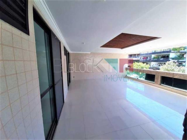 Apartamento à venda com 3 dormitórios cod:RCAP31266