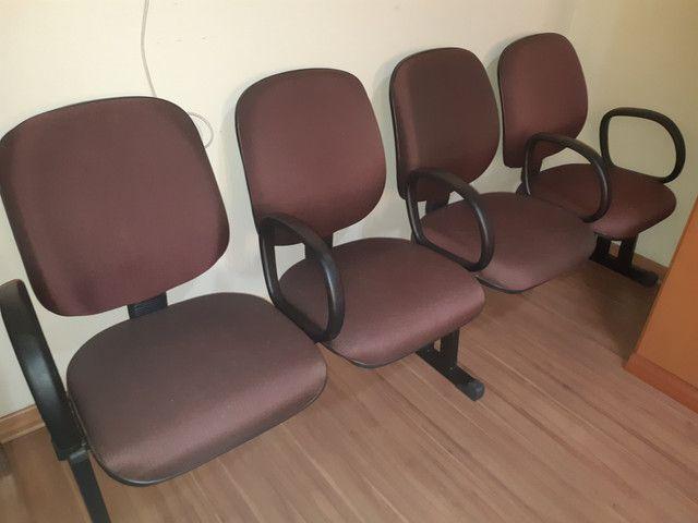 Cadeira 4 lugares c/ braço - 300,00