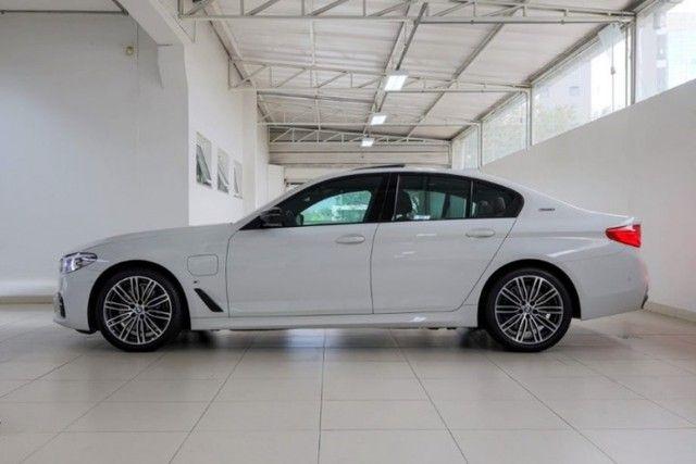 BMW 530E 2.0 Turbo iPerformance (Plug-in Hybrid) 2019  - Foto 12