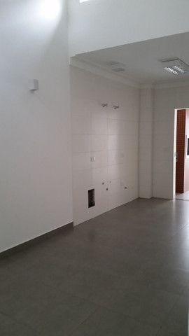 Linda Casa nova pé direito Alto jardim paris c/ 115m2 terreno 150 m2 - Foto 10