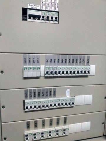 Eletricista de manutenção predial e residencial