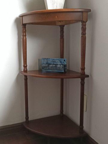 Mesa de canto de madeira com 3 sessões - Foto 2