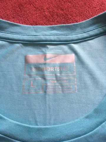 Camiseta Nike feminina