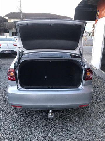 Volkswagen Polo Sedan Comfortline 2013 1.6 I-Motion Flex 8v - Foto 8
