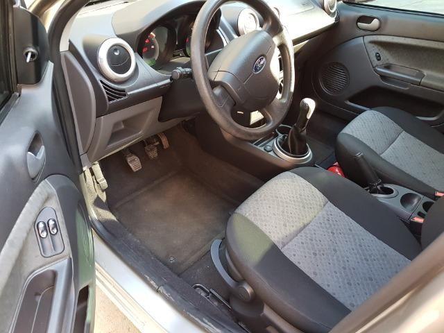 Ford Fiesta flex 1.0 SE completo, 13/14 repasse R$19.900 - Foto 5