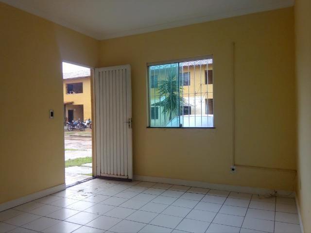 Cód. 048 Apartamento de 2/4 no Safira Lar