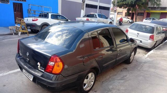 Clio sedan completo 03/04 todos doc desde zero muito inteiro doc ok com GNV