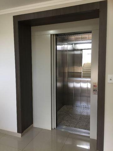 Apartamento 02 dormitórios sendo 01 suite c/ closet e hidro Região do Lago em Cascavel -PR - Foto 3