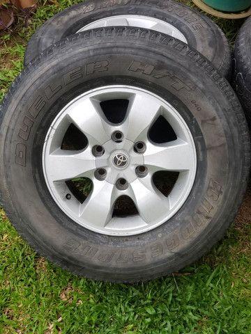 Rodas Hilux aro 16 com pneus - Foto 3