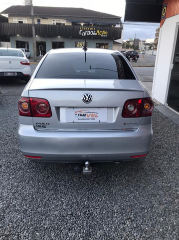 Volkswagen Polo Sedan Comfortline 2013 1.6 I-Motion Flex 8v - Foto 5