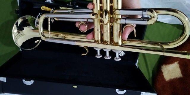 Trompete Eagle Em Sib Tr504 com Hard Case E Bocal