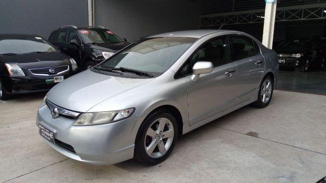 Honda Civic LXS Câmbio manual