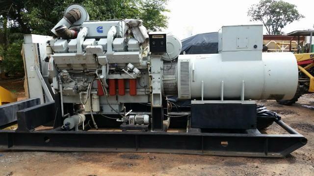 Grupo Gerador stemac 950 kva Motor cummins KTA38 - Foto 3