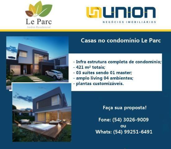 Oferta Union Imóveis! Casas em condomínio de alto padrão a venda, próximo à Randon