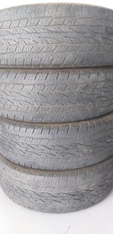 4 pneus de camioneta