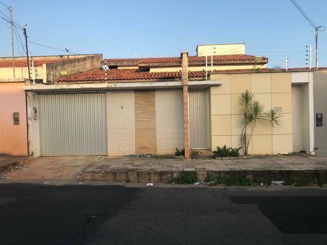 ALUG. Casa no Resid Pinheiros COHAMA