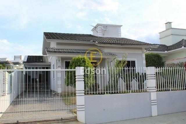 Casa 2 Dormitórios com Ampla Área Externa, Pedra Branca - Palhoça!