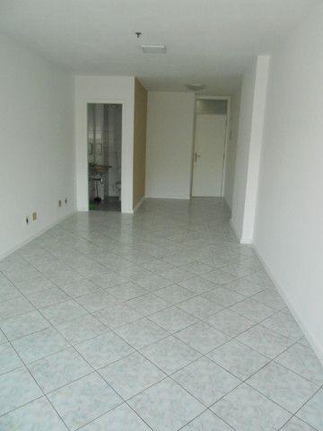 Excelente Sala de 30 m², Rua Otávio Carneiro, a 50 m do Campo de São Bento - Foto 3