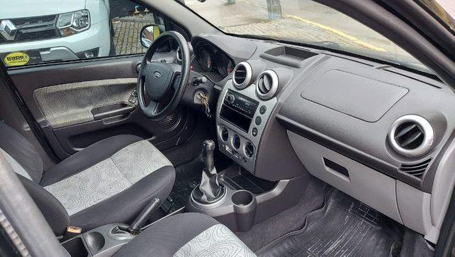 Fiesta 1.0 8v Sedan 2008 Completo - Foto 8