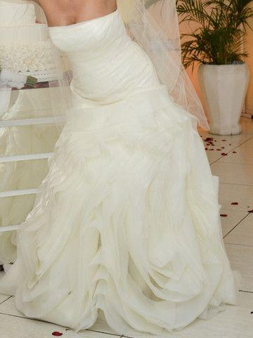 Vendo lindíssimo vestido importado - Foto 2
