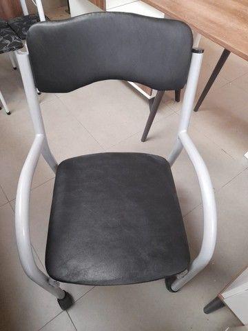 Promoção!!! Cadeira de escritório c/ rodinhas!