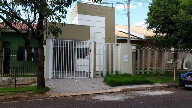 Linda Casa nova pé direito Alto jardim paris c/ 115m2 terreno 150 m2 - Foto 2