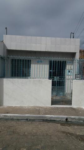 Vende-se casa no Jacintinho prox. unicompra