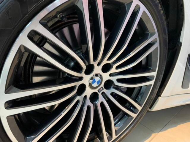 BMW 530E 2.0 Turbo iPerformance (Plug-in Hybrid) 2019  - Foto 17