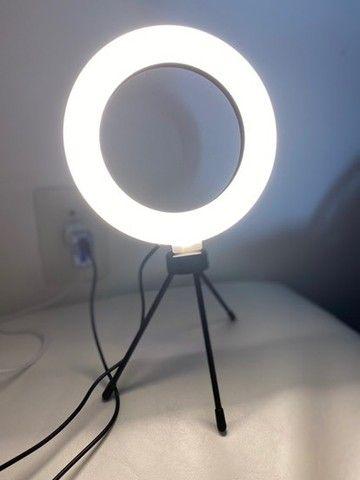 Iluminador de led com Tripe