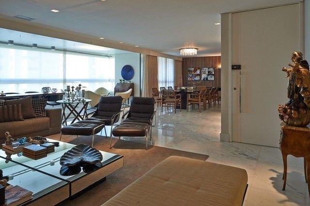 Apartamento para venda possui 305 metros quadrados com 4 quartos em Belvedere - Belo Horiz - Foto 12