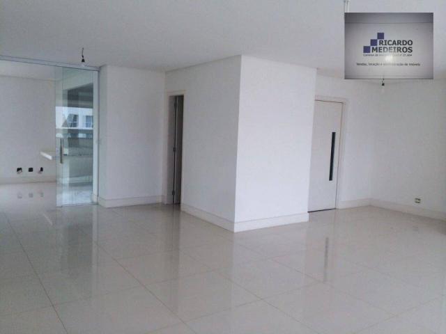 Apartamento de 202m²,com 3/4 com closet, Patamares,