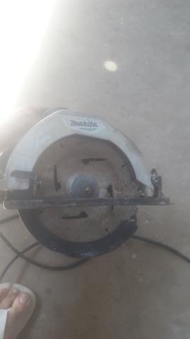 Serra circular makita m5801 220 v 150 reais