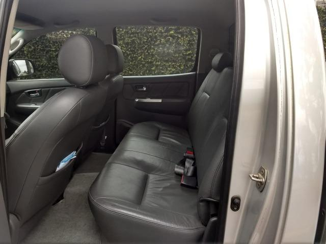 Toyota Hilux 3.0 SRV 4X4 CD 16v Turbo Itercooler, 171cv, cor prata, ano 2012 - Foto 10