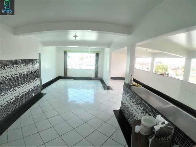 Alugo Casa 3 pisos na Cachoeirinha, 5 salas amplas (boa localização para ponto comercial) - Foto 15
