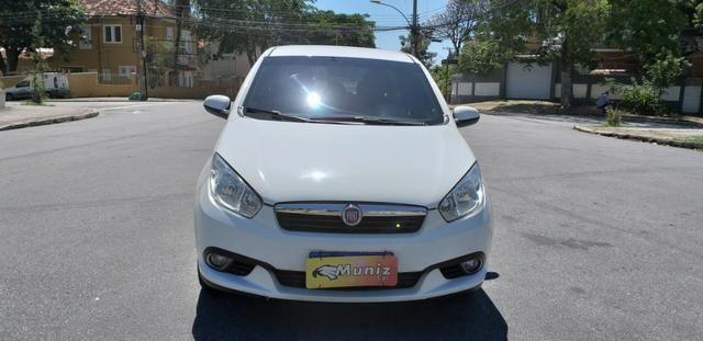 Fiat Grand Siena Attractive 1.4 completo + GNV ! Parcela R$ 964,00