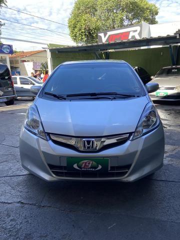 Honda Fit 2014 Lx 1.4 Automático Flex Pneus novos - Foto 3