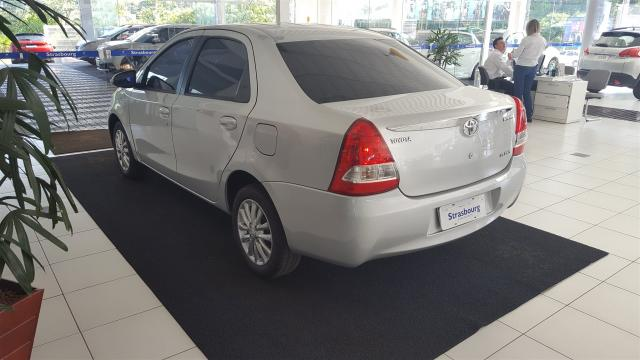 ETIOS 2015/2016 1.5 XLS SEDAN 16V FLEX 4P MANUAL - Foto 5