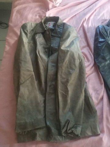 Blusa de Couro - Marron e outra Preta - Foto 2