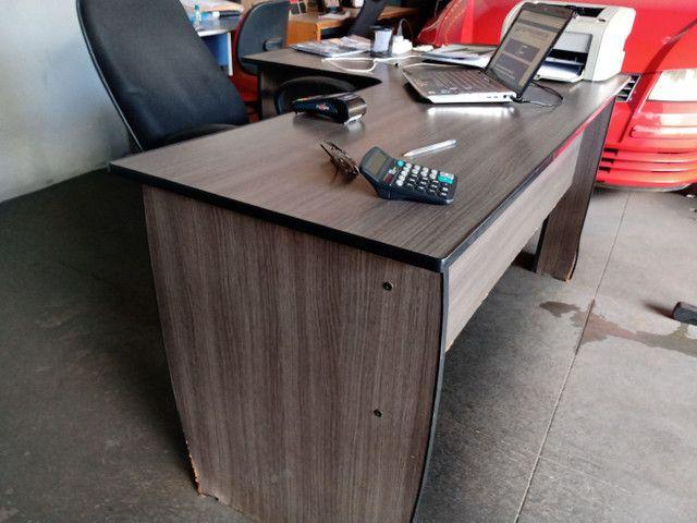 Mesa de escritório usada marcas de uso apenas 150 - Foto 2