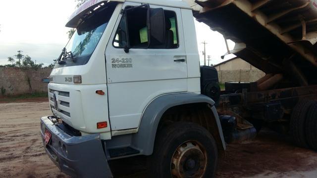Caminhão fusção 24220