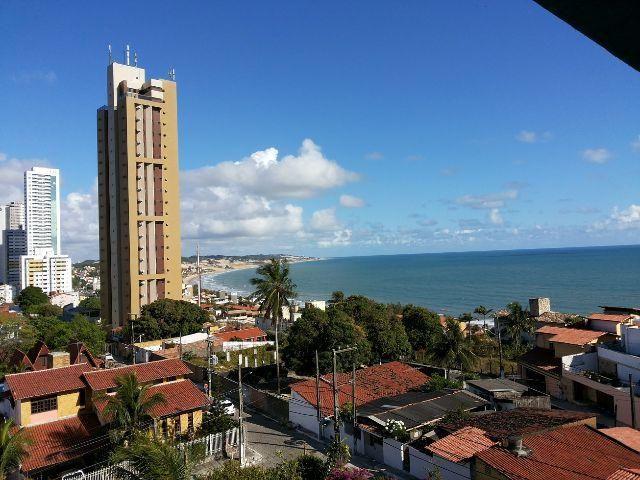 Apartamento com excelente vista para o mar
