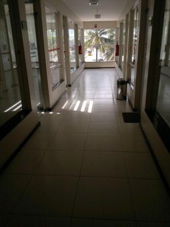 Excelente sala comercial na Avenida principal do Sol Nascente - Foto 2