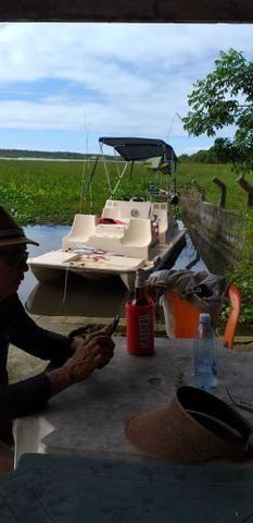 Lancha tipo catamarã 16 pés com motor johnson 25 hp partida elétrica
