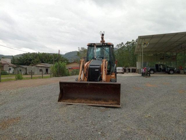 Retro escavadeira 580N - Foto 3