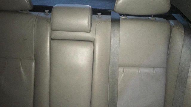 Toyota Corolla gli ano 2012 sucata somente peças - Foto 6