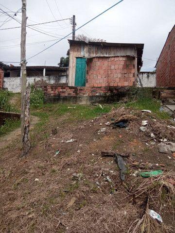 Armando Mendes casa com dois cômodos e banheiro, na Rua P - Foto 4